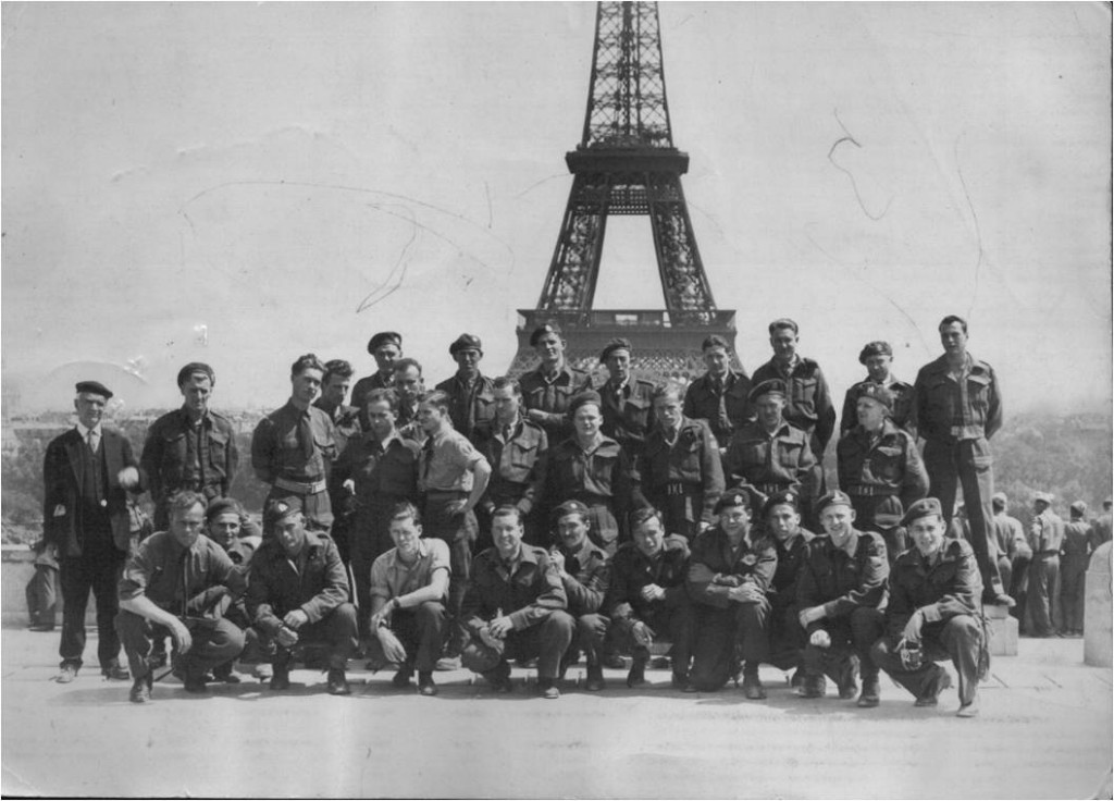 Canadian soldiers on leave in Paris, 1945